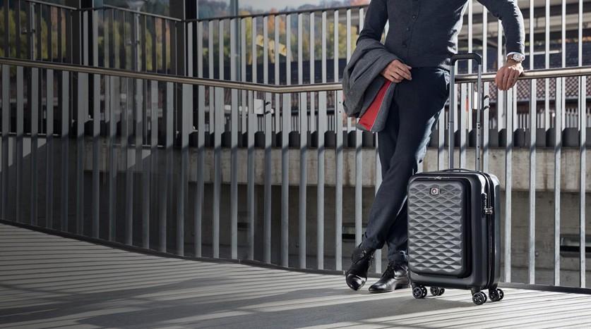 Kup dowolną walizkę kabinową Wenger